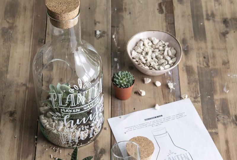 DIY Handlettering op een terrarium