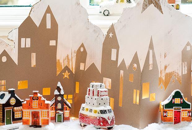 DIY: Kartonnen kersthuisjes: kerstdorp achtergrond