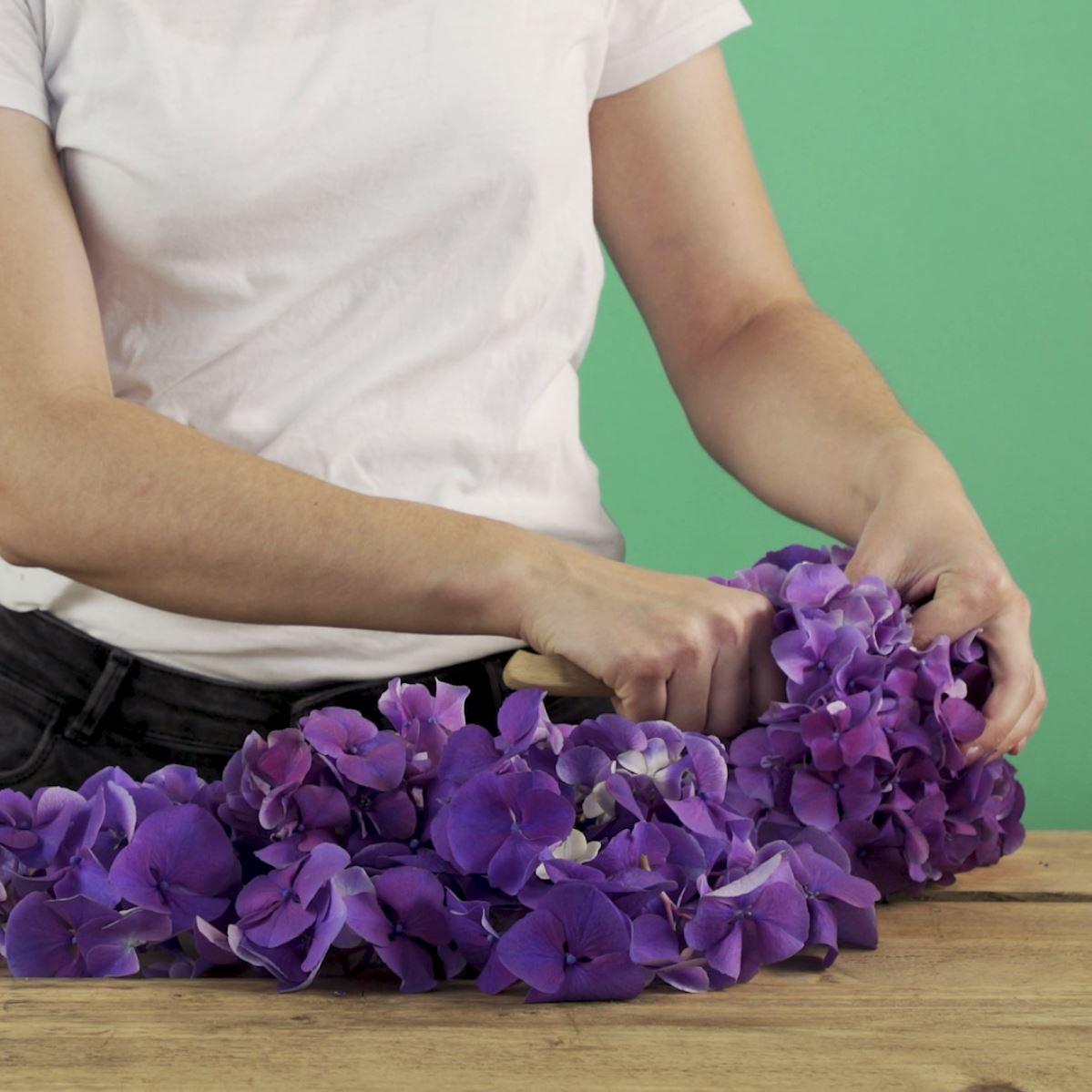 DIY Hortensiakrans stap 1: Hortensia snijden