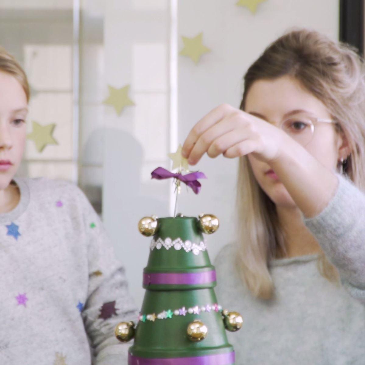 DIY Kerstboom van bloempotten stap 4: De piek