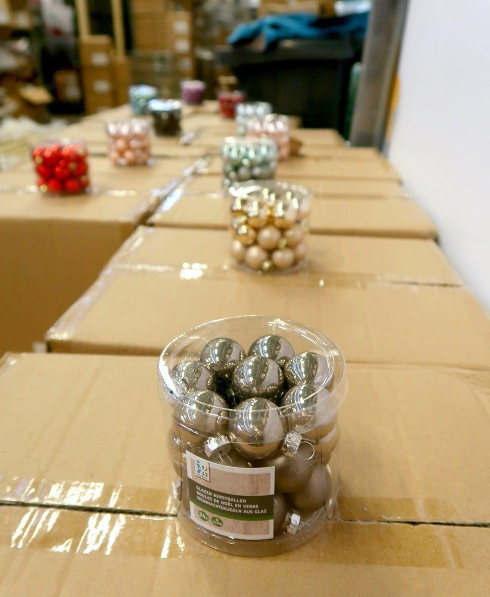Kerstballen en dozen