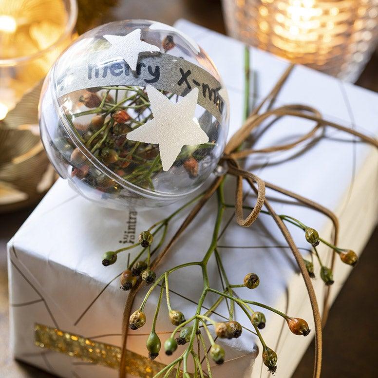 Mooi ingepakt kerstcadeau