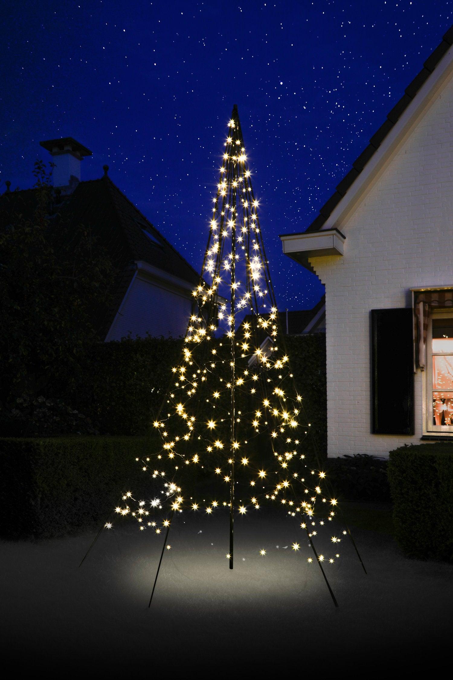 Fairybell vlaggenmast kerstboom H 300 cm met 360 LED lampjes warm wit