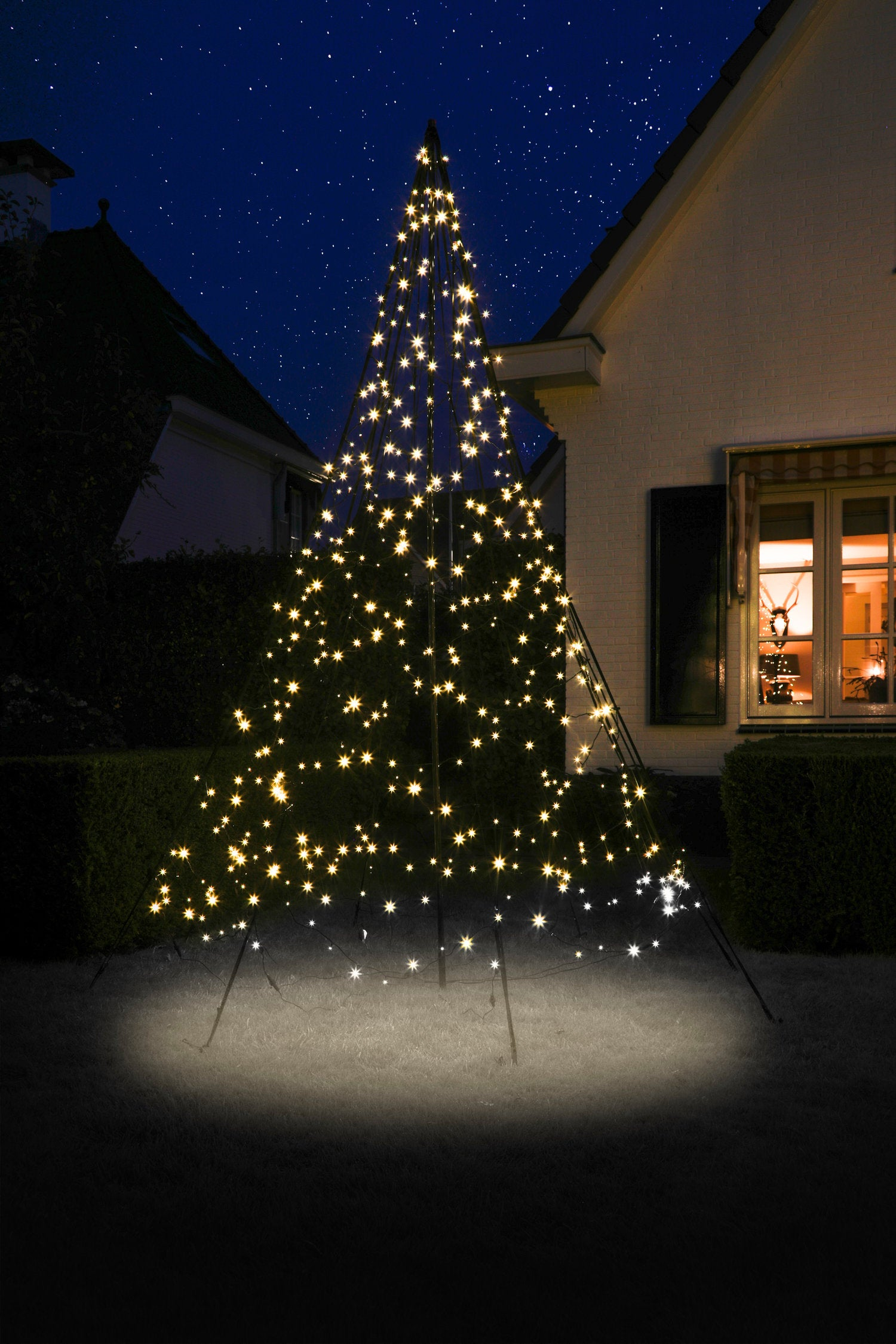 Fairybell vlaggenmast kerstboom H 300 cm met 480 LED lampjes warm wit