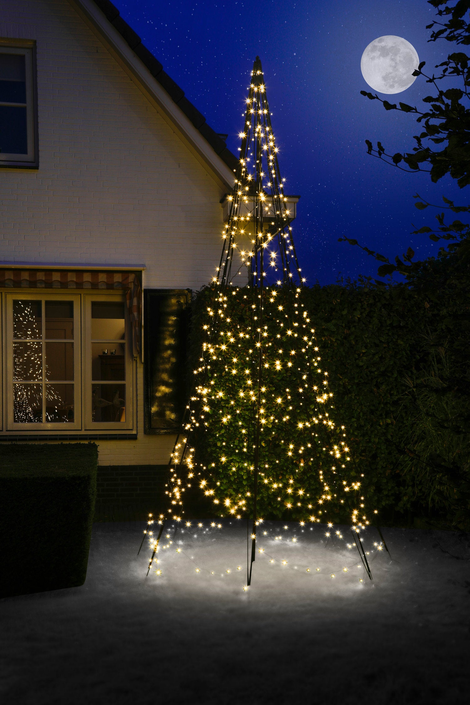 Fairybell vlaggenmast kerstboom H 400 cm met 640 LED lampjes warm wit