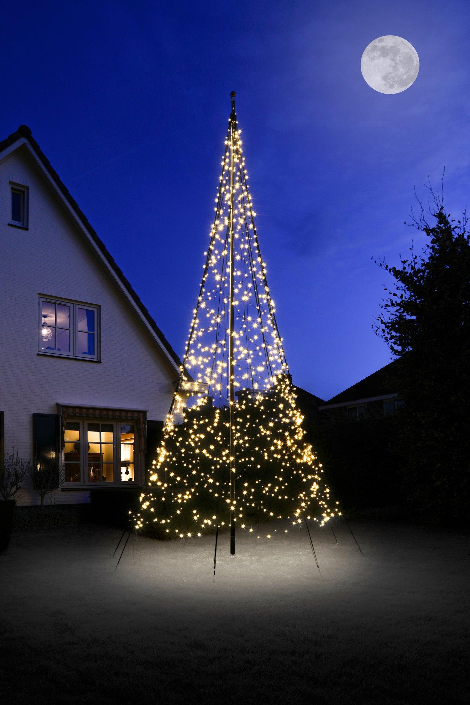 Fairybell vlaggenmast kerstboom H 600 cm met 1200 LED lampjes warm wit